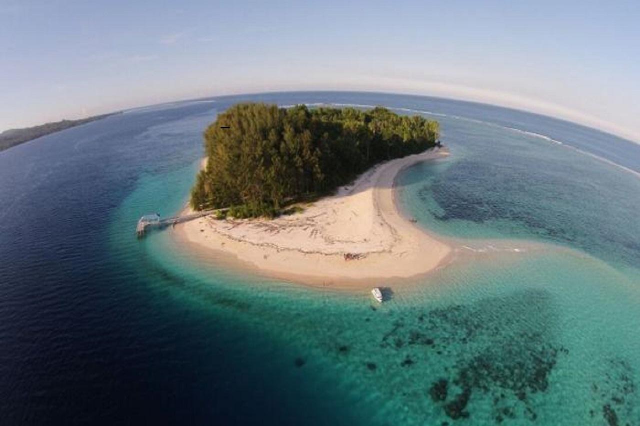 Wisata Alam di Morotai