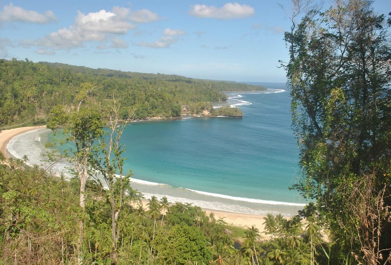 Paket Tour Ternate Morotai